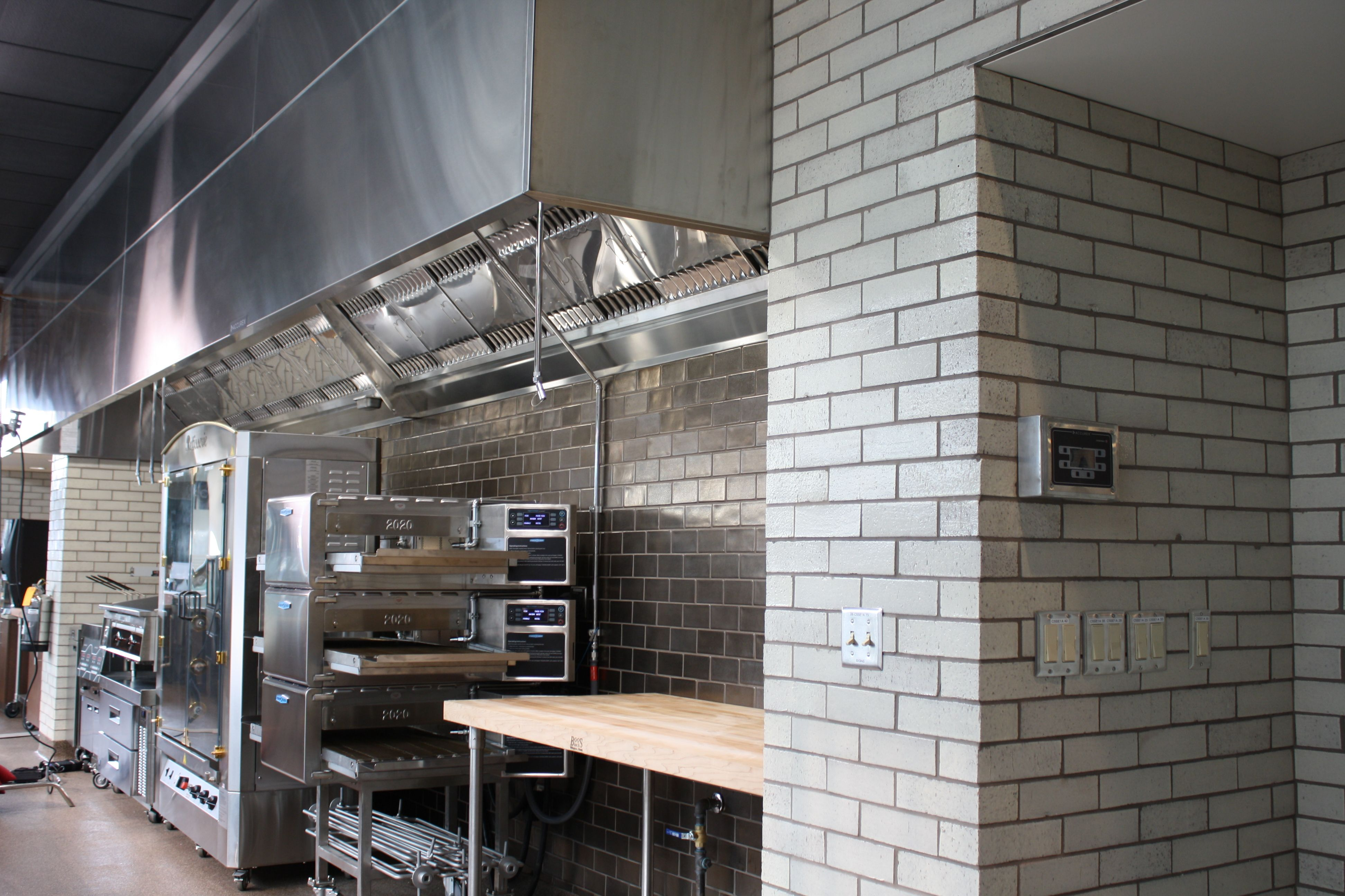 Marketplace Kitchen - Hood and Controls